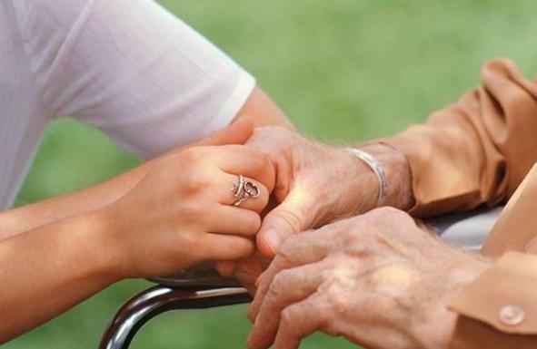 beneficios del Reiki en las personas mayores